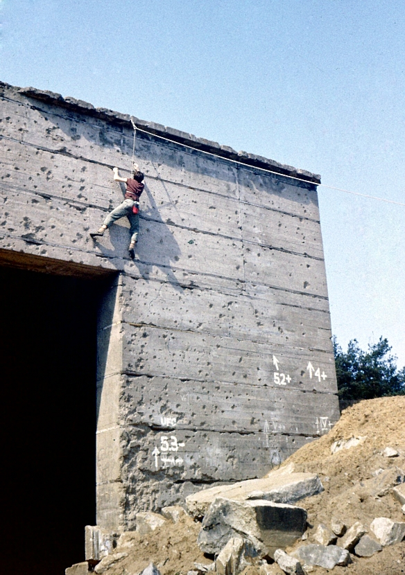 Duży bunkier ściana wsch. droga UFO (archiwum/wspin Wojtek Bonk)